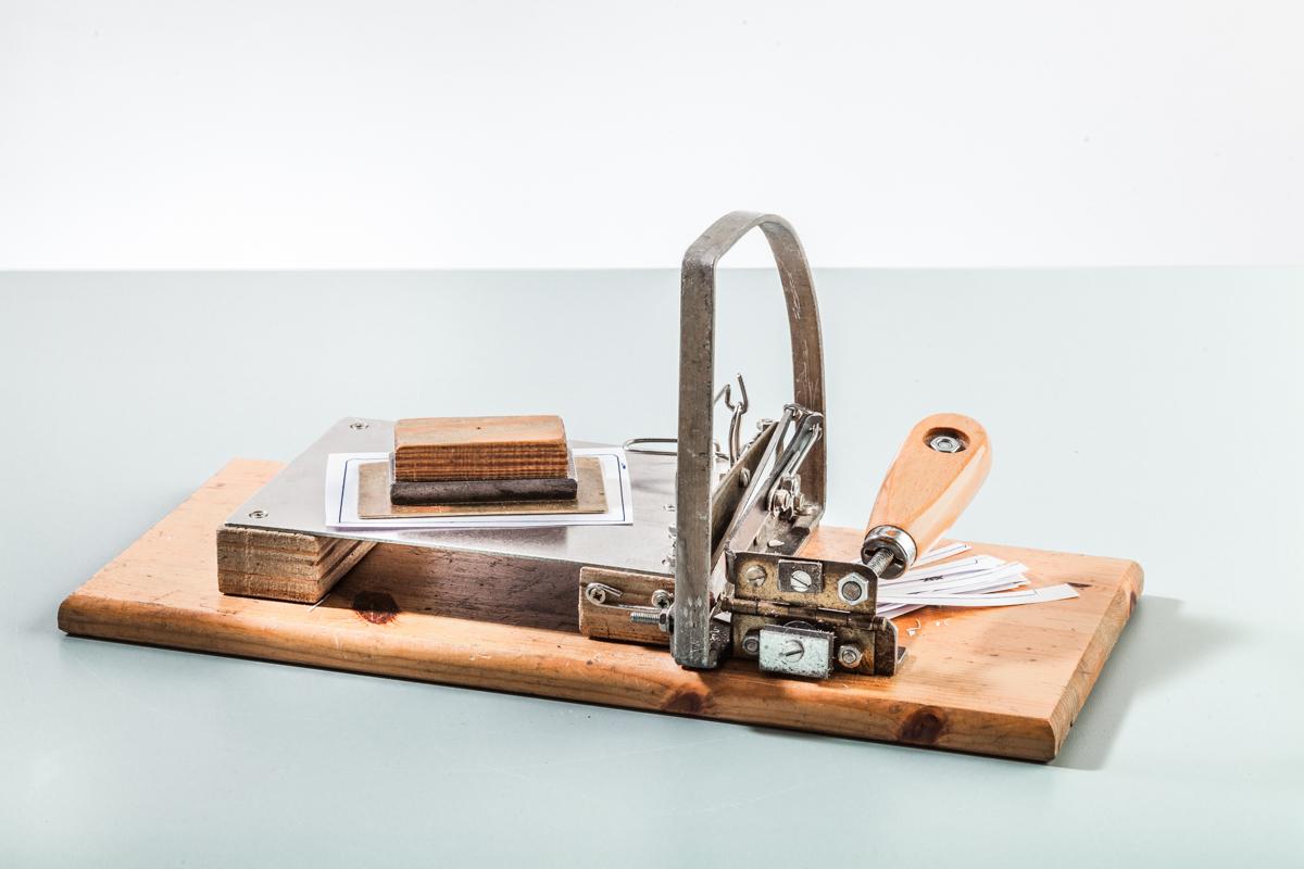 Einzelzettelschneidemaschine 1